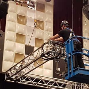 greage-spectacle-arena-formation-installation.jpg